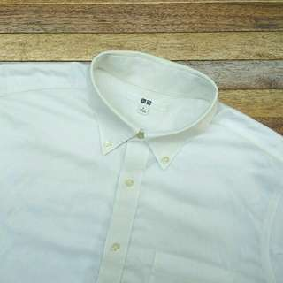Kemeja Putih UNIQLO White Basic Shirt Lengan Panjang