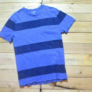 Old Navy striped tshirt