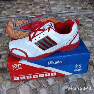 Sepatu mikado badminton