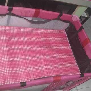 Crib for sale used twice ayw ni baby gusto karga