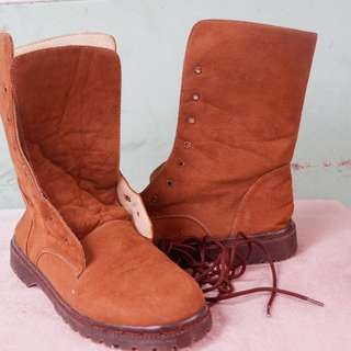 Albania Boots Brown