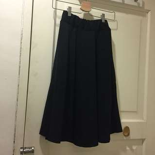 Black flared skirt rok karet