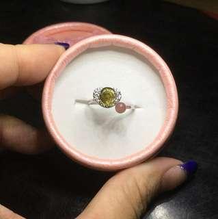 清倉促銷。寶石級玫瑰造型碧璽925銀戒指附盒