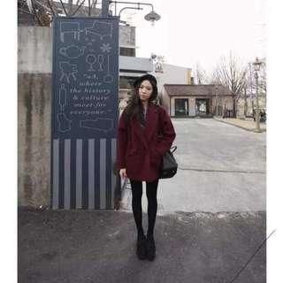 酒紅繭型短版大衣