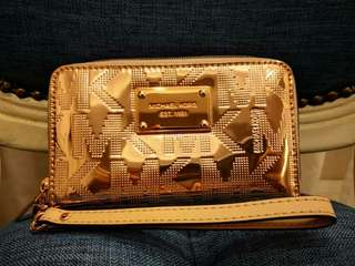 Authentic MICHAEL KORS small wrislet