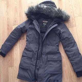 Aritzia TNA Bancroft down jacket in grey size XS