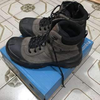 Columbia 防水 行山鞋