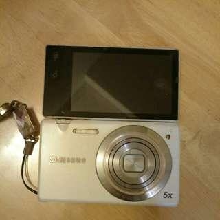 Samsung MV800 翻轉螢幕