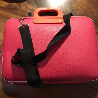 Hard Pink laptop shoulder bag
