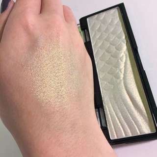 Wet n Wild Midnight Mermaid Highlighter