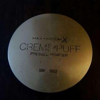 Max factor pressed powder
