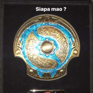 Dota international piala ori dri swiss +box gift winner