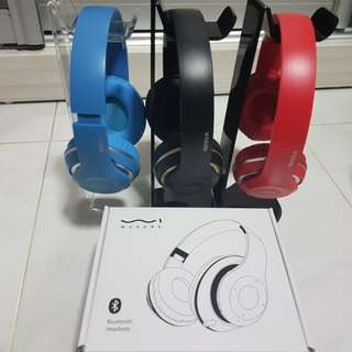 BNIB Bluetooth FM Headphone Wireless Fantastic Colour