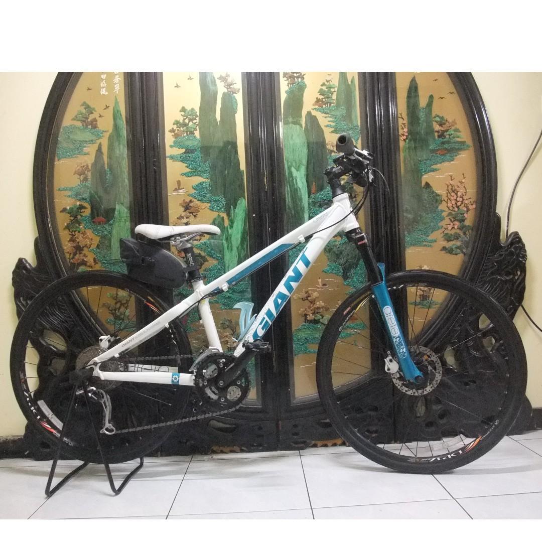 還滿新的26吋捷安特Giant Liv ARETE 27段shimano deore xt 油壓碟煞腳踏車.aluminum bike HYDRAULIC BRAKE SYSTEMS