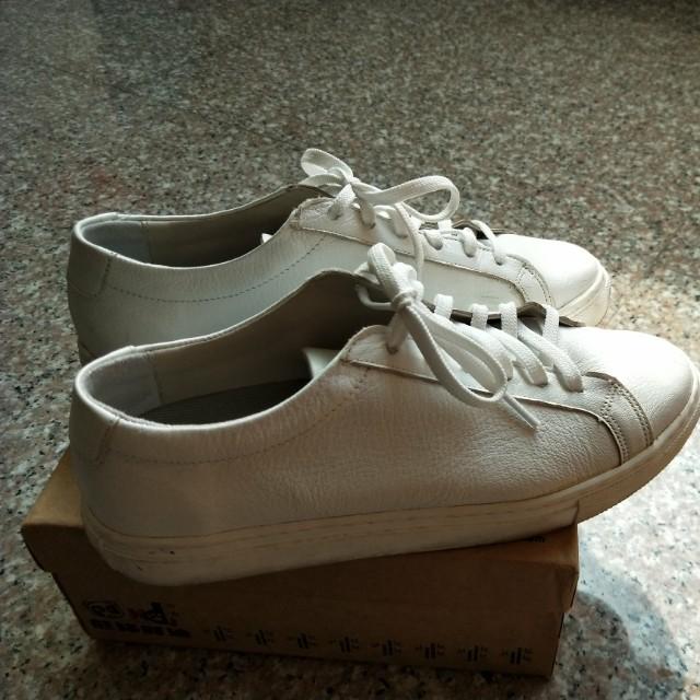 白色皮質百搭鞋