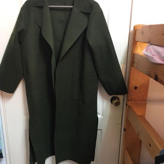 超長版墨綠色大衣(到小腿肚)