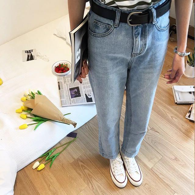 淺藍寬鬆直筒牛仔褲牛仔長褲