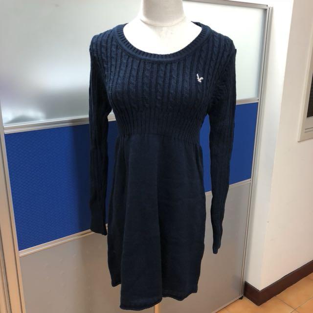 深藍色針織圓領長袖洋裝