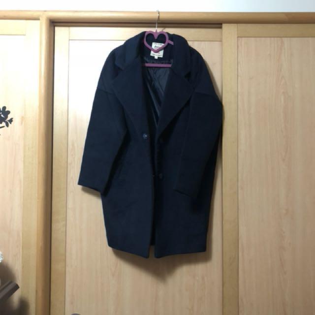 國外品牌 深藍色中長版繭型翻領單釦大衣外套
