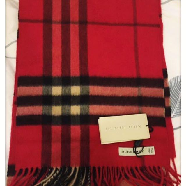 全新 Burberry cashmere 圍巾
