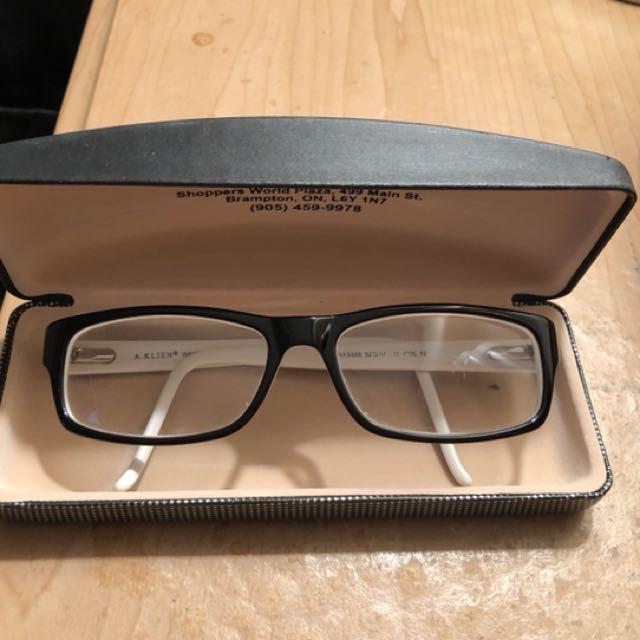 Anne Klein glasses.Excellent condition. 40$