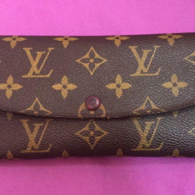 Authentic Louis Vuitton lv emilie wallet