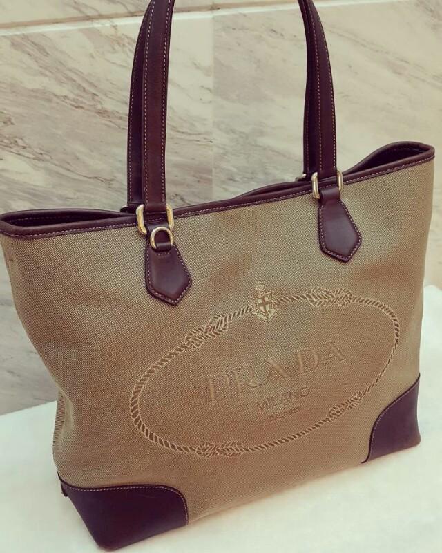 54ee6859eb09 Authentic PRADA logo jacquard Tote bag, Barangan Mewah, Beg dan Dompet di  Carousell