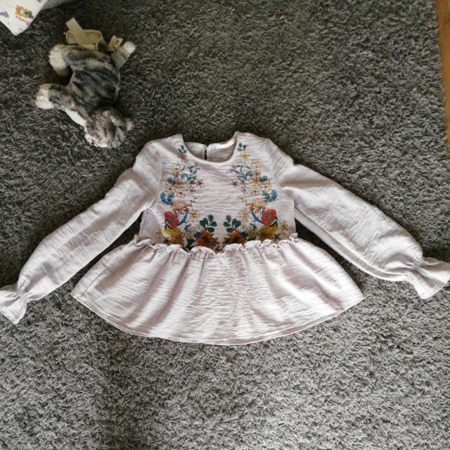 Authentic zara blouse xs