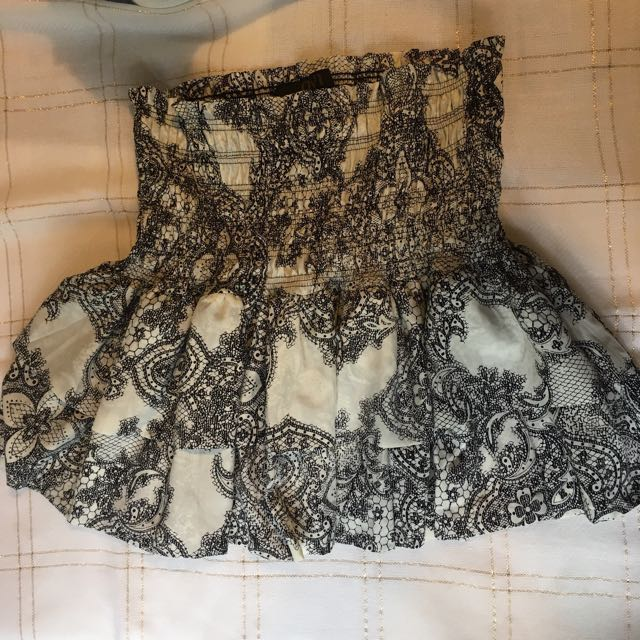 Baroque patterned layered mini skirt