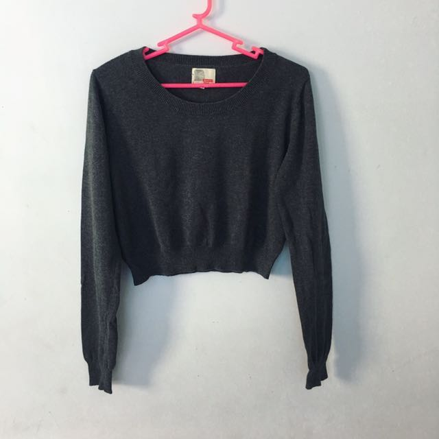 BENCH CROPPED LONGSLEEVES REPRICED