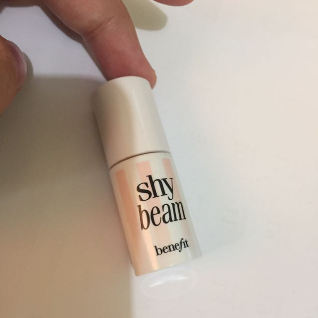 Benefit shy beam matte highlighter