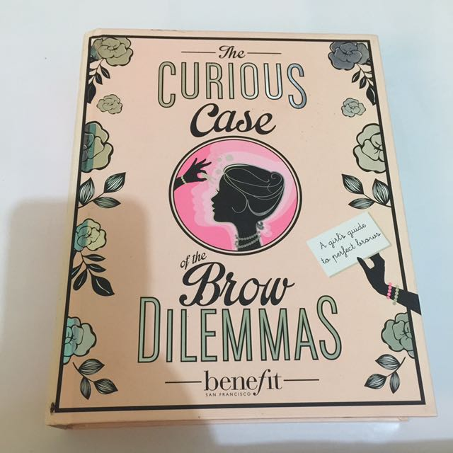Benefit the curious case of the brow dilemmas (case + mirror)