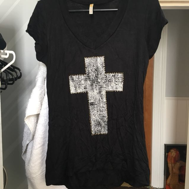 Black cross tshirt