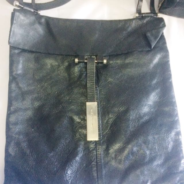 Black Sling Bag (leather)