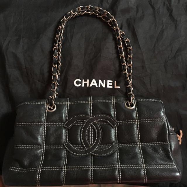 Chanel Vintage sling bag