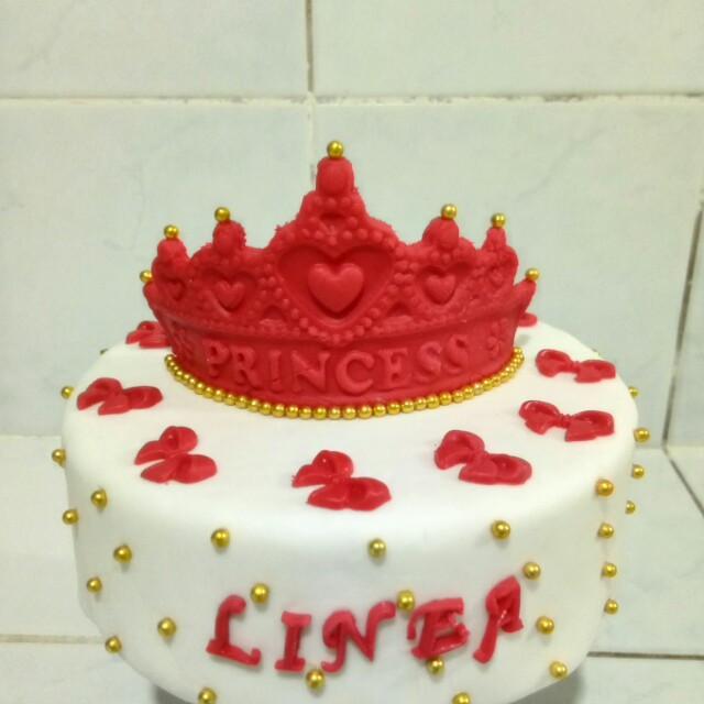 Costumized Fondant Cake
