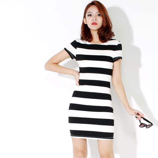 Fashmob Hansel Stripe Dress Black