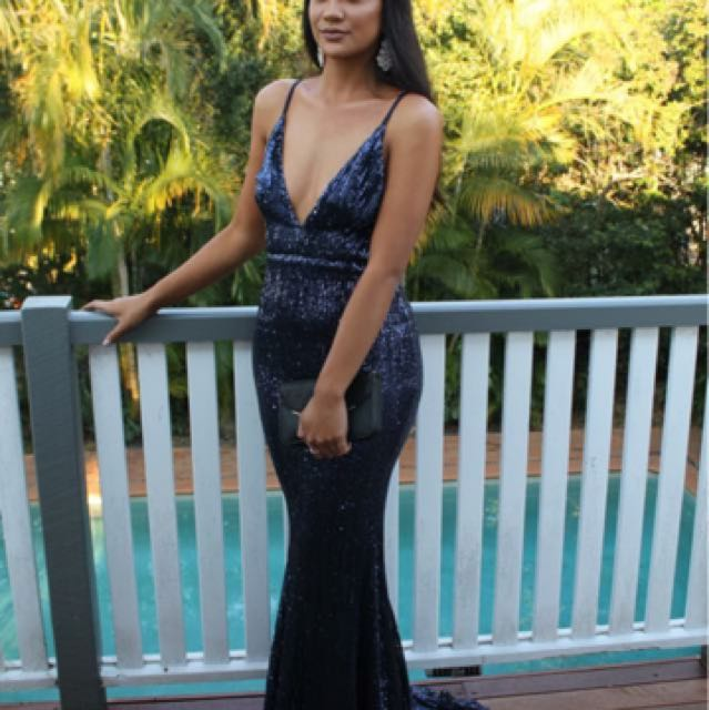 Formal dress HIRE $70+ bond