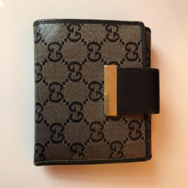 Gucci bi fold signature wallet woman