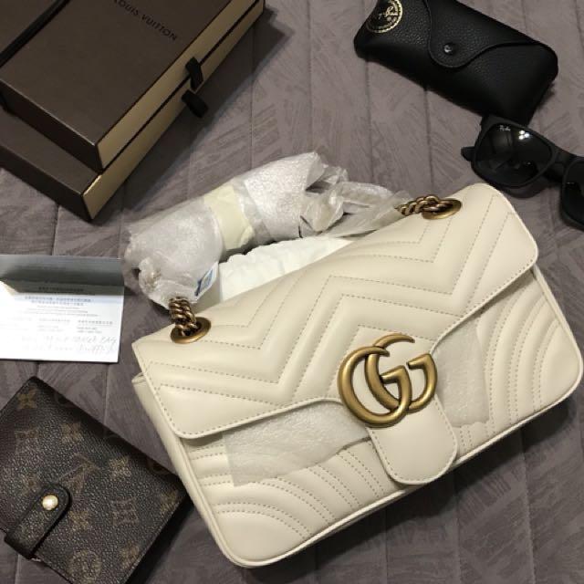 Gucci Marmont 象牙白 中型