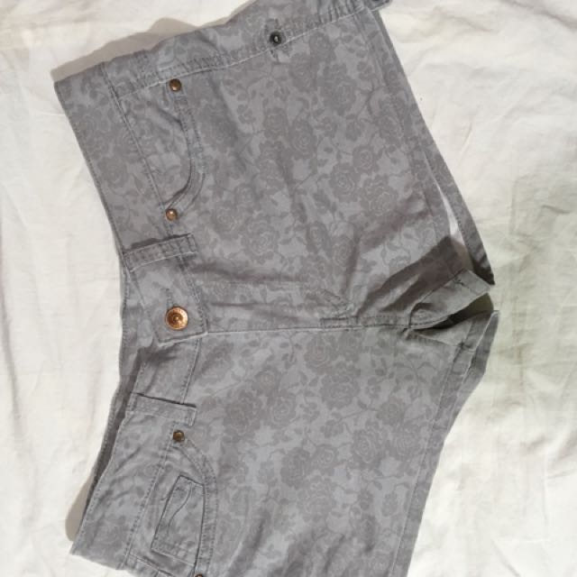 H&M Floral Shorts (Gray)