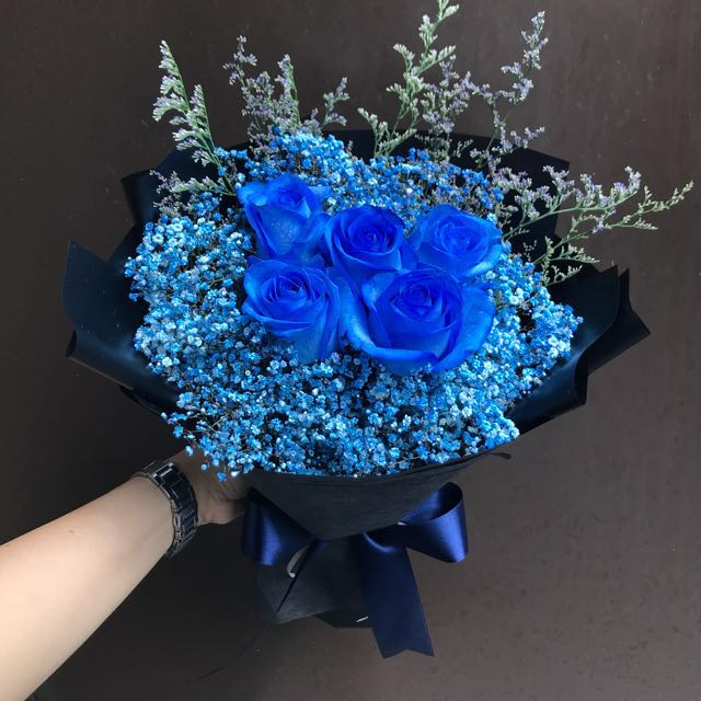 In Stock 5 Blue Roses With Blue Baby Breath And Caspia Bouquet