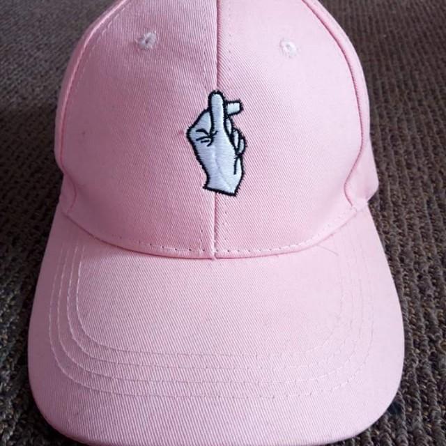 Korean fingerheart hat
