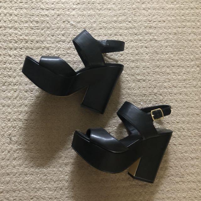 Lipstik chunky heels