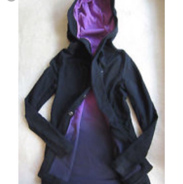 Lululemon awareness wrap size 8