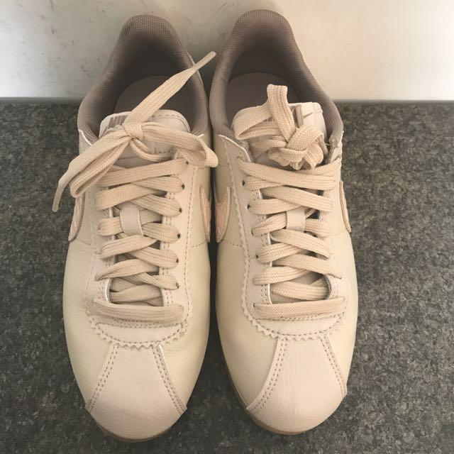 Nike classic cortez皮革阿甘(奶茶色22.5cm)