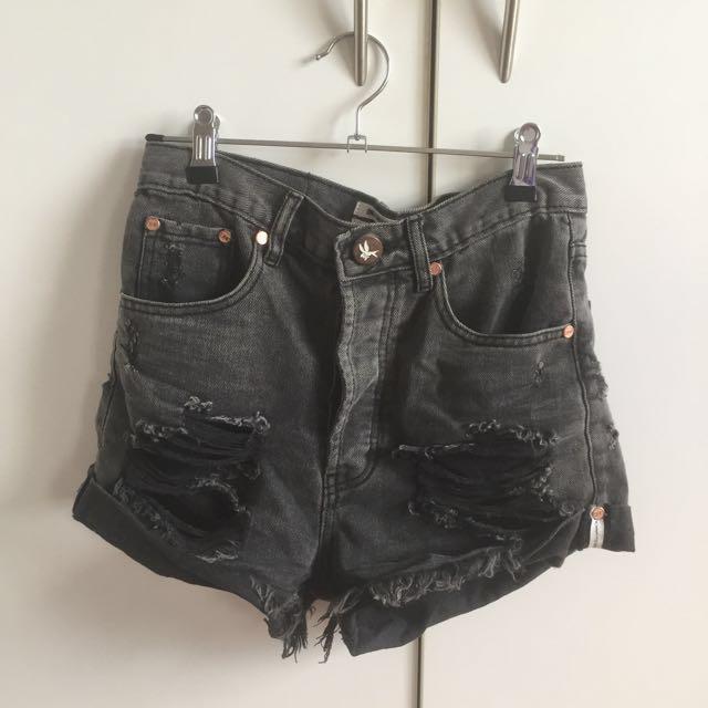 One teaspoon bandit black ripped shorts
