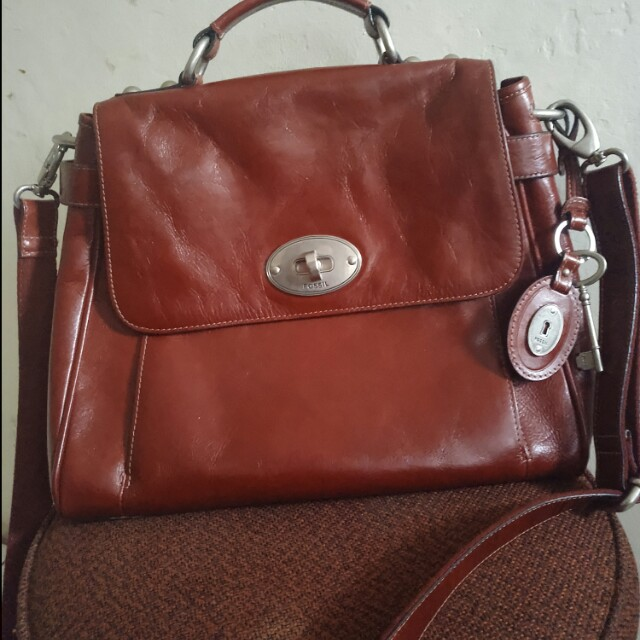 preloved fossil doctor maroon