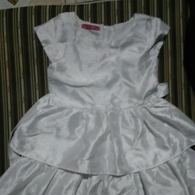 Preloved Grizzly Girl White Dress