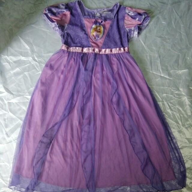 Rapunzel dress 6-8 yrs old